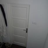Het plaatsen en dichtmetselen van een deur